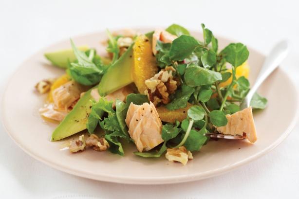 Салат из лосося (семга) с кресс-салатом