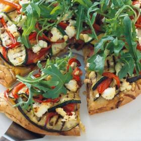 Пицца с овощами барбекю