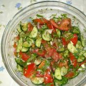 Салат овощной в прозрачной посуде