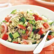 Салат из фасоли с горбушей