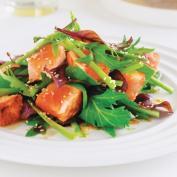 Салат из лосося и спаржи
