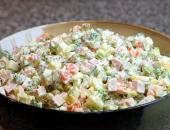 """Рецепт салата с фото. Салат """"Оливье"""" по-русски с фото"""