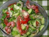 Салат из помидоров со сметаной, пошаговый рецепт